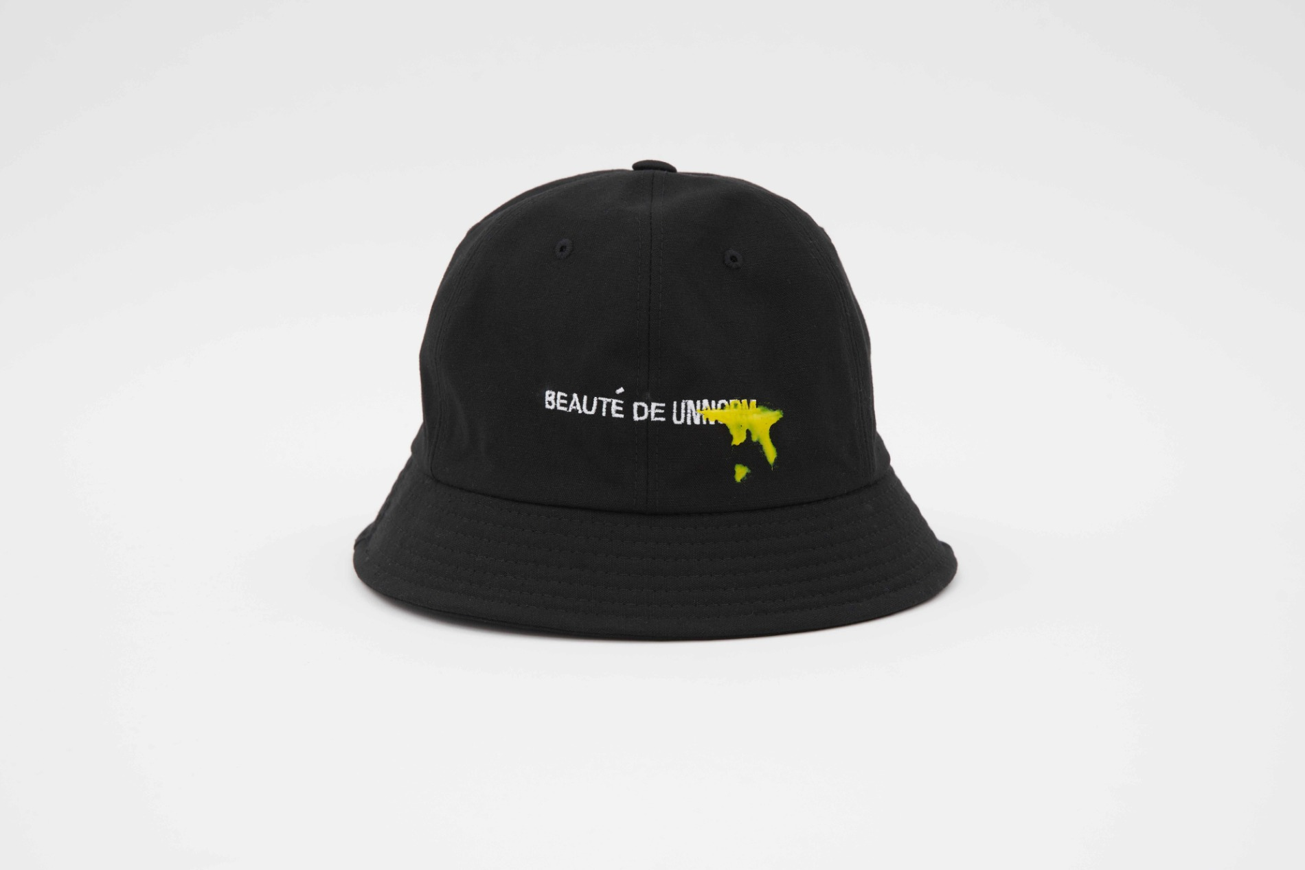 [UNNORM]  Black Bucket hat (Yellow graffiti)